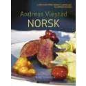 Grunnleggende kokekunst i tre nye bøker av Andreas Viestad: Eksotisk, Norsk og Teknikker