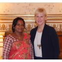 Per Anger-pristagare Rita Mahato möter utrikesminister Margot Wallström (Bild 1)