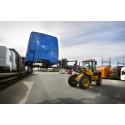 Lastning av Volvos lastbilshytter NLC / Cargo handling NLC Volvo trucks
