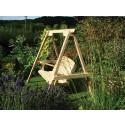 Swing seat i cederträ – ett av joredns mest hållbara träslag