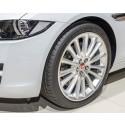 Ny Jaguar XE udstyret med Dunlop-dæk
