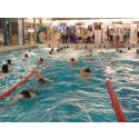 Simmarna från Linköpings ASS simmade in 20 840 kronor till WaterAid