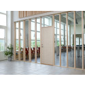 Naturmaterial i dörren till det offentliga rummet