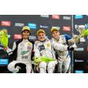 Prispall Clio Cup, heat 1 söndag. Fr.v: Henric Skoog, Peter Larsson, Andreas Wernersson.