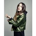 Miriam Bryant har tre låtar topp 10 på Spotify!