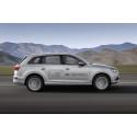Audi Q7 e-tron 2.0 TFSI quattro (Asian market) right side dynamic