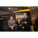 Premios - Jose Miguel Andres entrega el premio a los hermanos