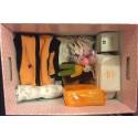 Mammaboxen med en overall från ISBJÖRN
