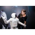 Hondan uusin ASIMO-humanoidirobotti tuli Eurooppaan