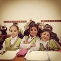 Syriska barn på flykt går i skolan i Turkiet