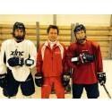 Dif juniorer testar hockey skills
