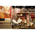 Gamla böcker på Bokmässan blir nytt hopp till flyktingar