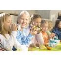 Verdens skolemelkdag: Hvit ernæring og grønn læring