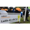 En regnig invigning av laddparken för sex elfordon i Videum Science Park