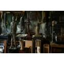 Flykten - Johan Röing visar nya skulpturer och målningar