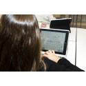 Ombytta roller när elever på Erlaskolan Östra lär sina lärare att koda. Erla <3 <framtidens_sprak>