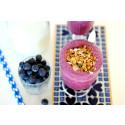 Granolatoppad blåbärssmoothie med vanilj