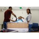 Från hemland till yrkesutbildning inom ett år   - Ny vårdutbildning sätter fart på arbetsintegrationen