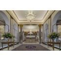 Lysande ny lobby välkomnar gäster på Grand Hôtel