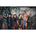 De unge pop-rockere i Hey Violet kommer til Danmark