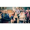 GöteborgsOperans och Svenska Röda Korsets internationella kör ger sin första konsert