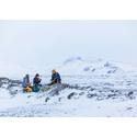 Forskningsteam undersöker lava på Island