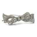Klassiska auktionen 18 december, brosch i platina, gammalslipade diamanter.