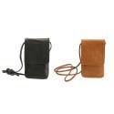 Läderväska med halsrem för mobil – Gear by Carl Douglas