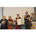 Gerd Kristiansen og Trond Giske delte ut FLTs utdanningspris