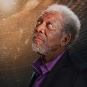 Morgan Freeman i Through the Wormhole på Discovery Science