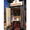 Säsongsöppning av Sigtunas bokkiosk med festivalböcker på Världsbokdagen