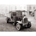 Præsentation af den første dieselmotor med direkte indsprøjtning, udviklet af MAN. Dette var startskuddet til dieselmotorens store succes i lastbilbranchen – en succes, som har varet indtil i dag.
