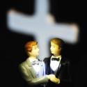 Par av samma kön kan gifta sig i alla församlingar