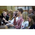 Ungdomar tar plats på Rosenbad för att driva förändring