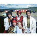 Anders Kristensson, Eritreanska flyktingar Finnfallets flyktingförläggning ur serien Spår av en befolkning, färgfotografi, Värmland, 1991, Göteborgs konstmuseum