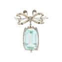 Smyckekvaliten 28 november, Nr: 6, BROSCH/HÄNGE, platina, trappslipad akvamarin ca 35 ct