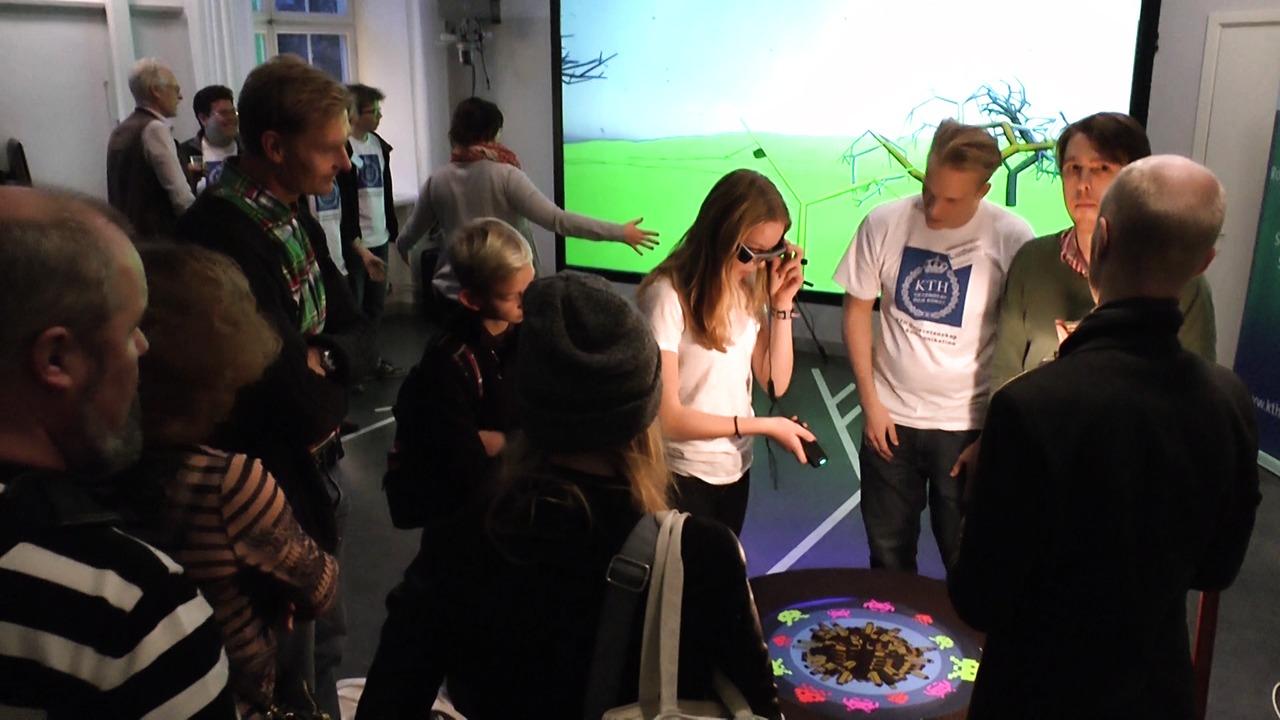 KTH-studenter presenterar spelappar för Epsons smarta glasögon