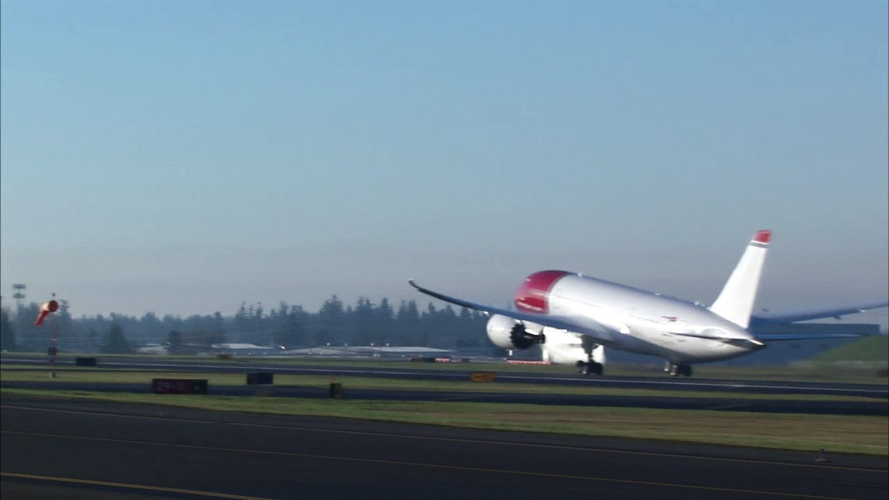 Norwegian 787 Dreamliner Take-Off