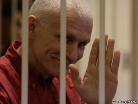 Vitrysslands främste människorättsförsvarare fyller 50 i fängelse