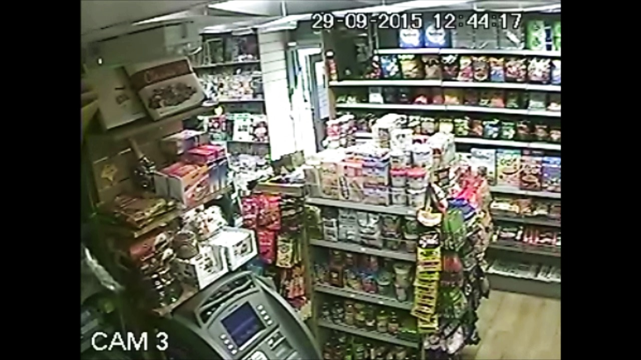 footage of knife-point robbery Islington