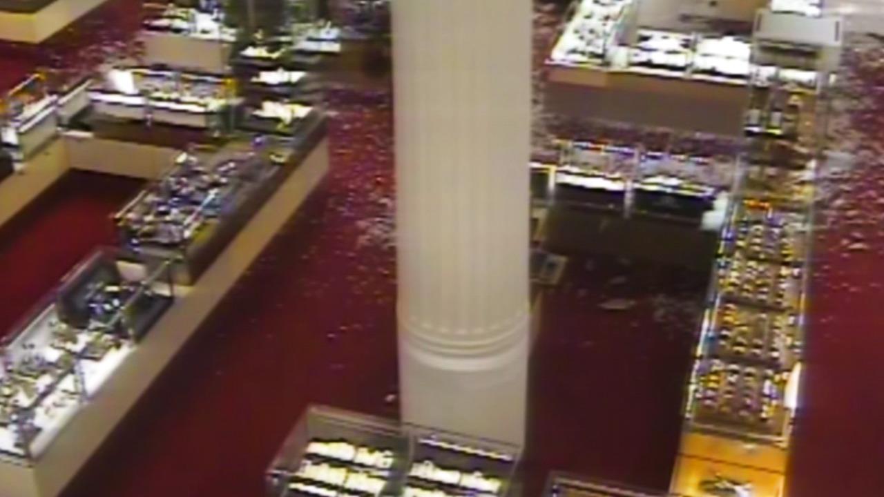 CCTV: Robbery at Selfridges