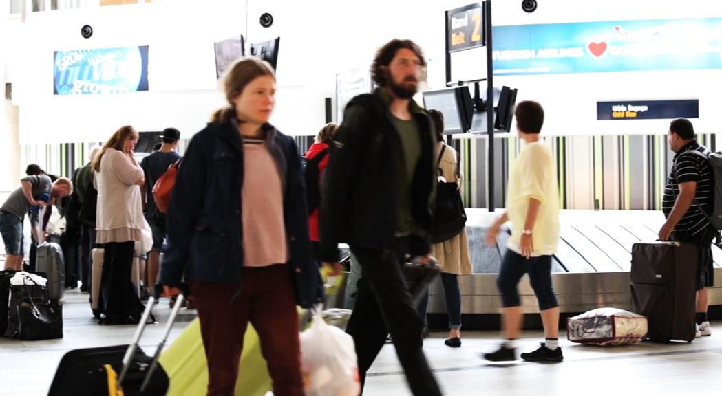 Göteborg Landvetter Airport - ankommande passagerare, buss och taxi