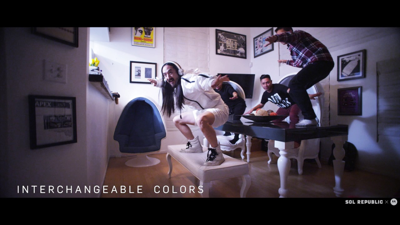Steve Aoki featuring Tracks AIR by SOL REPUBLIC x MOTOROLA