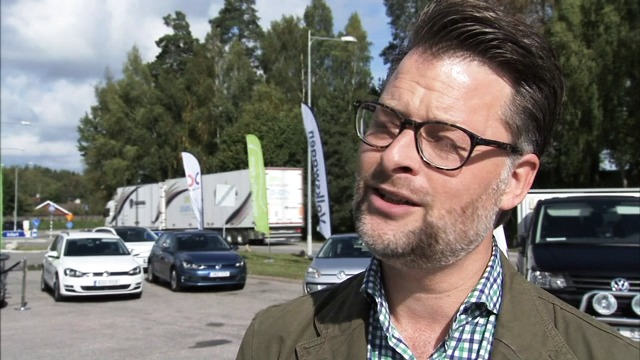 Anna- Karin Hatt inviger ny station för fordonsgas