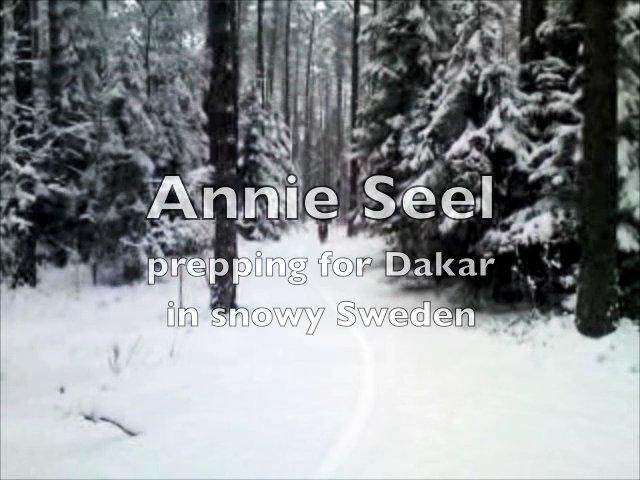 Annnie Seel rides enduro in winter